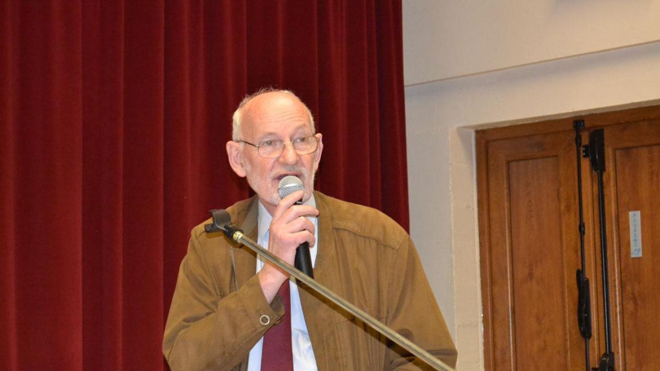 Alain Decaudin lors de sa dernière présentation des vœux à la population maresquelloise en janvier 2014. Il était maire-honoraire depuis 2015.