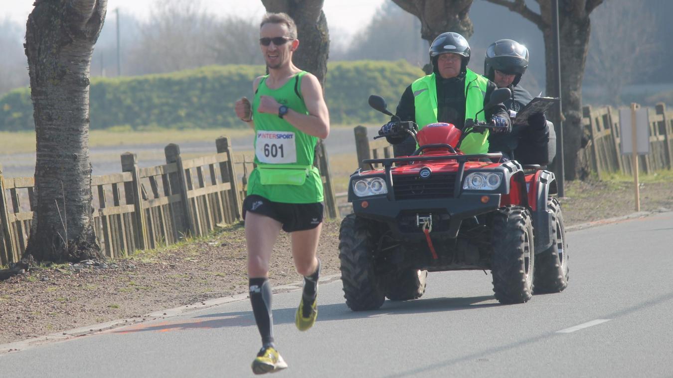 Les coureurs du semi-marathon traverseront à deux reprises le magnifique site de la Ballastière.