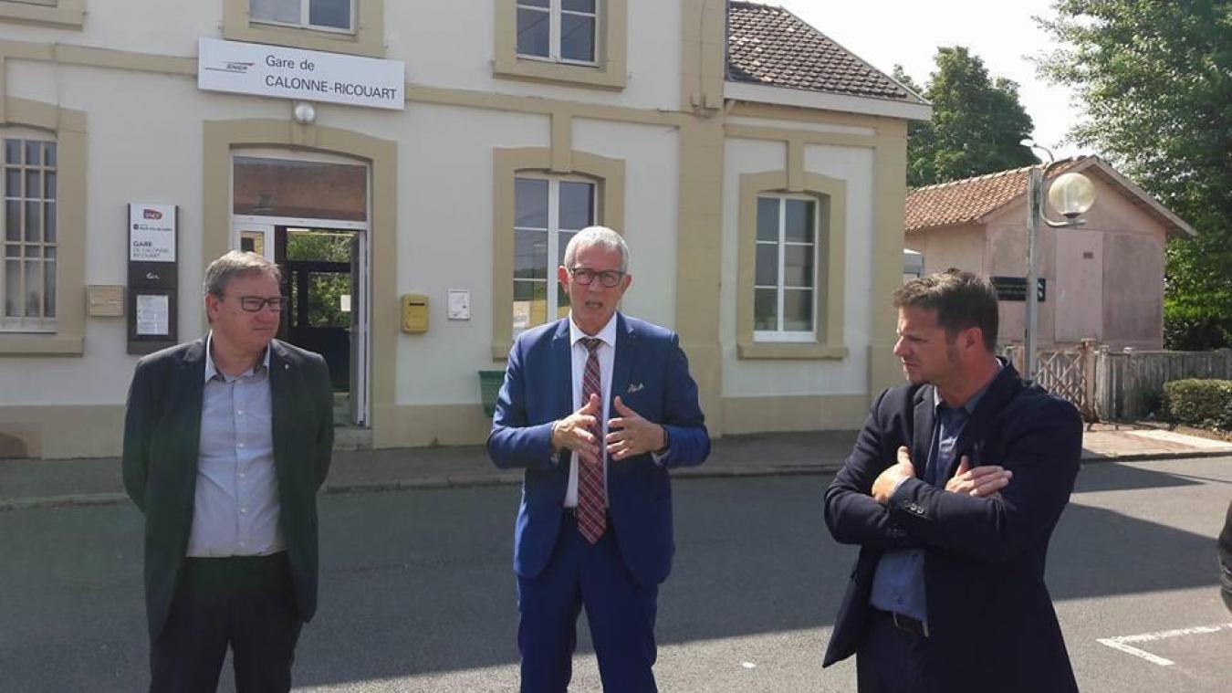 Michel Dagbert et Ludovic Idziak avait manifesté devant la gare de Calonne l'an dernier. (Archives)