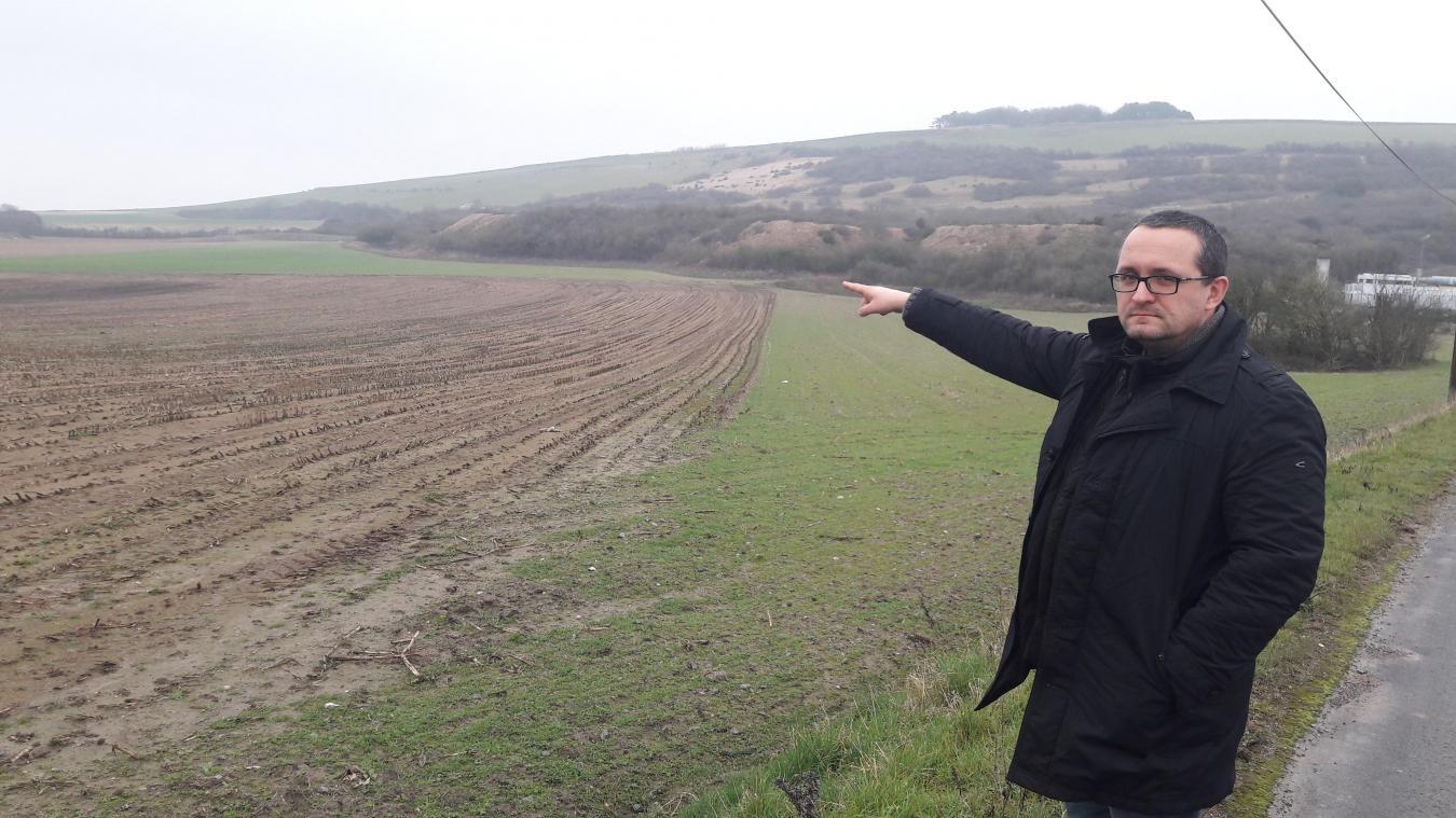 La Cab a identifié ce terrain de 4 hectares à Dannes, susceptible d'accueillir l'aire de grand passage pour la communauté des gens du voyage sur le Boulonnais. Olivier Carton, élu de l'opposition, mène la fronde.