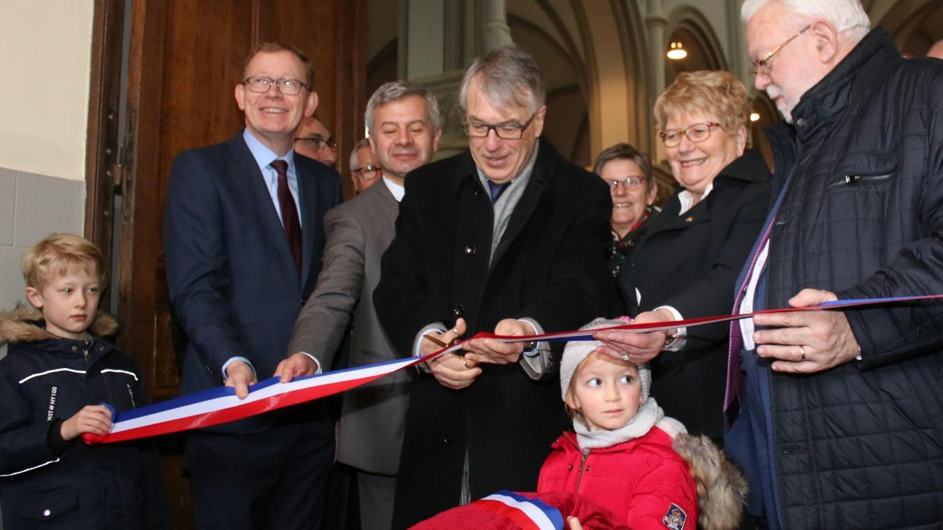 La maire était entourée de Jean-Pierre Bataille et de Jean-René Lecerf pour l'inauguration de l'église.