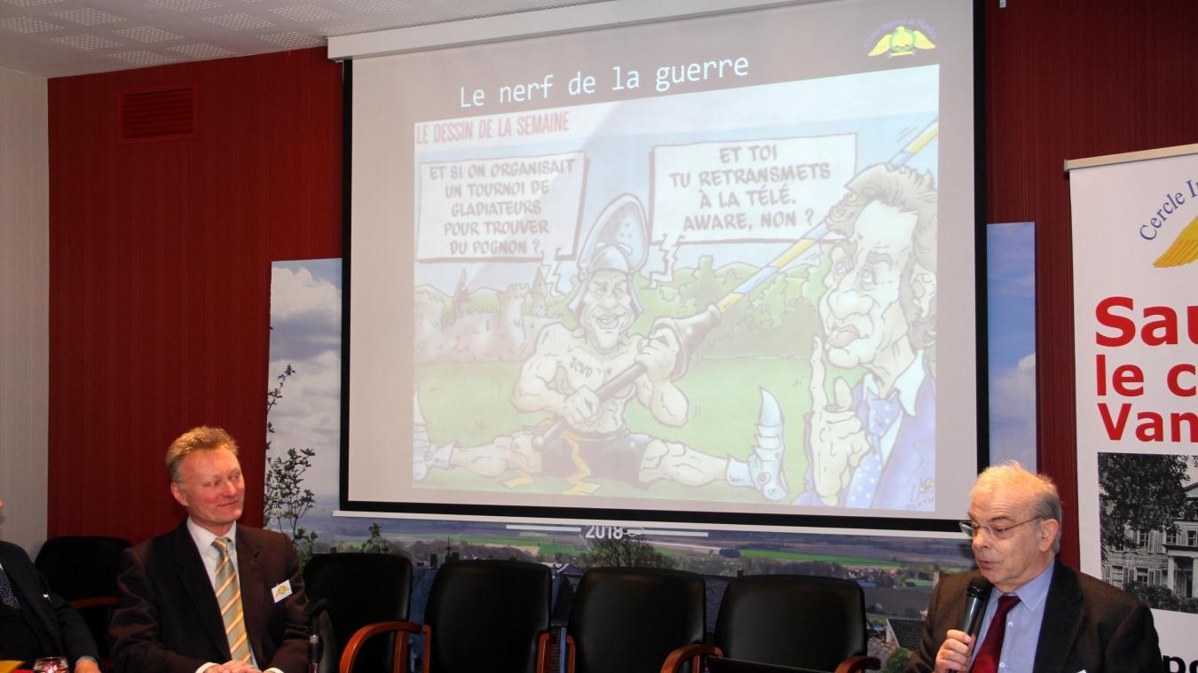 Damien Top (à gauche) et Dominique Seret lors de l'accueil des souscripteurs.