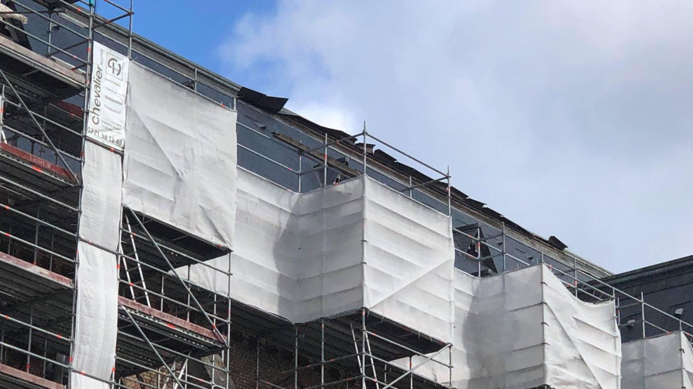Estaires: des morceaux de zinc se décrochent de la toiture de l'église
