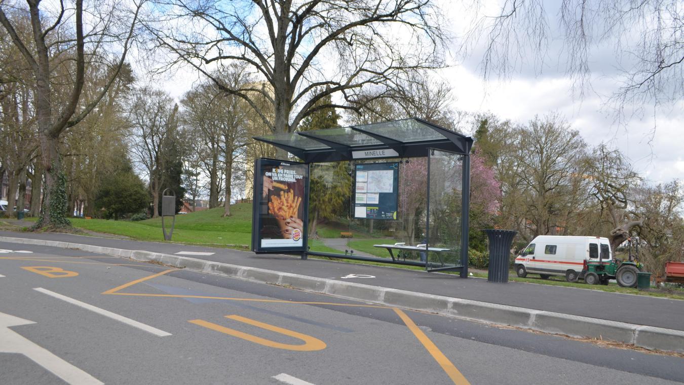 Les faits se sont déroulés à l'arrêt de bus Minelle.