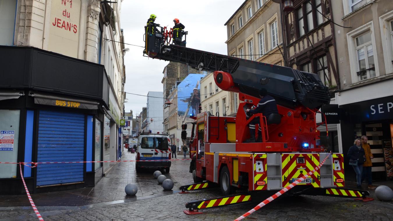 Les sapeurs-pompiers de Boulogne sont intervenus ce 14 mars après-midi rue Thiers pour la sécurité des piétons.