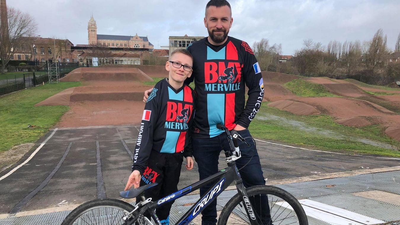 Enzo, le fils de Sébastien Grimonpont, président du club de BMX mervillois, participera à la course du haut de ses 13 ans, tout comme sa sœur Zély, âgée de 16 ans.