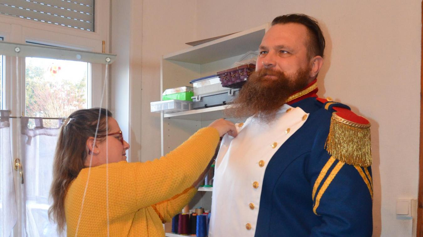 Le costume du Grand Christophe a été confectionné par Sylvie Comello, couturière à Wormhout.