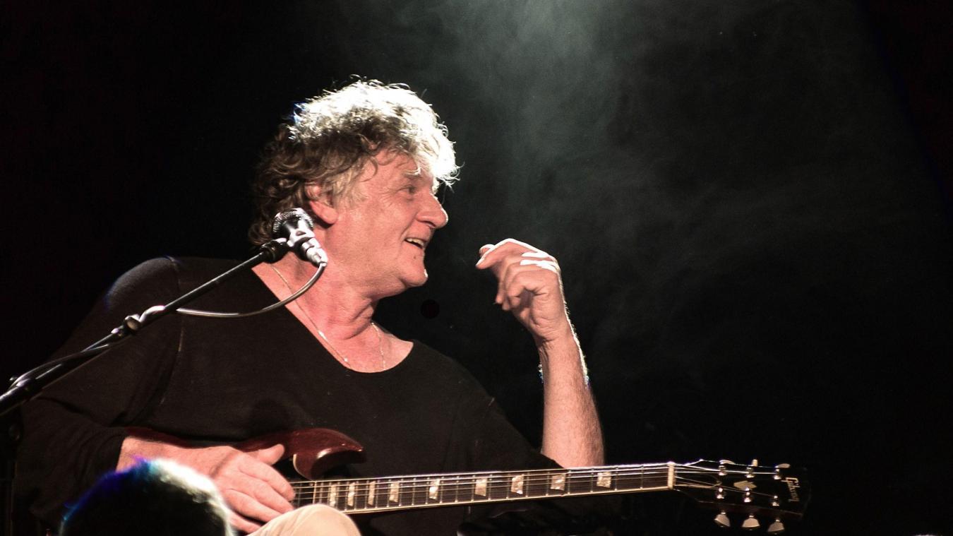 Auteur d'une vingtaine d'albums, Rodolphe Burger a collaboré avec de nombreux artistes tels qu'Alain Bashung ou Françoise Hardy.