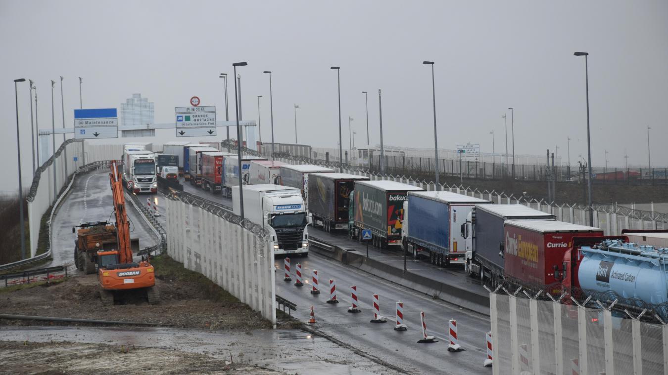 Les routiers calaisiens veulent bloquer la frontière belge lundi