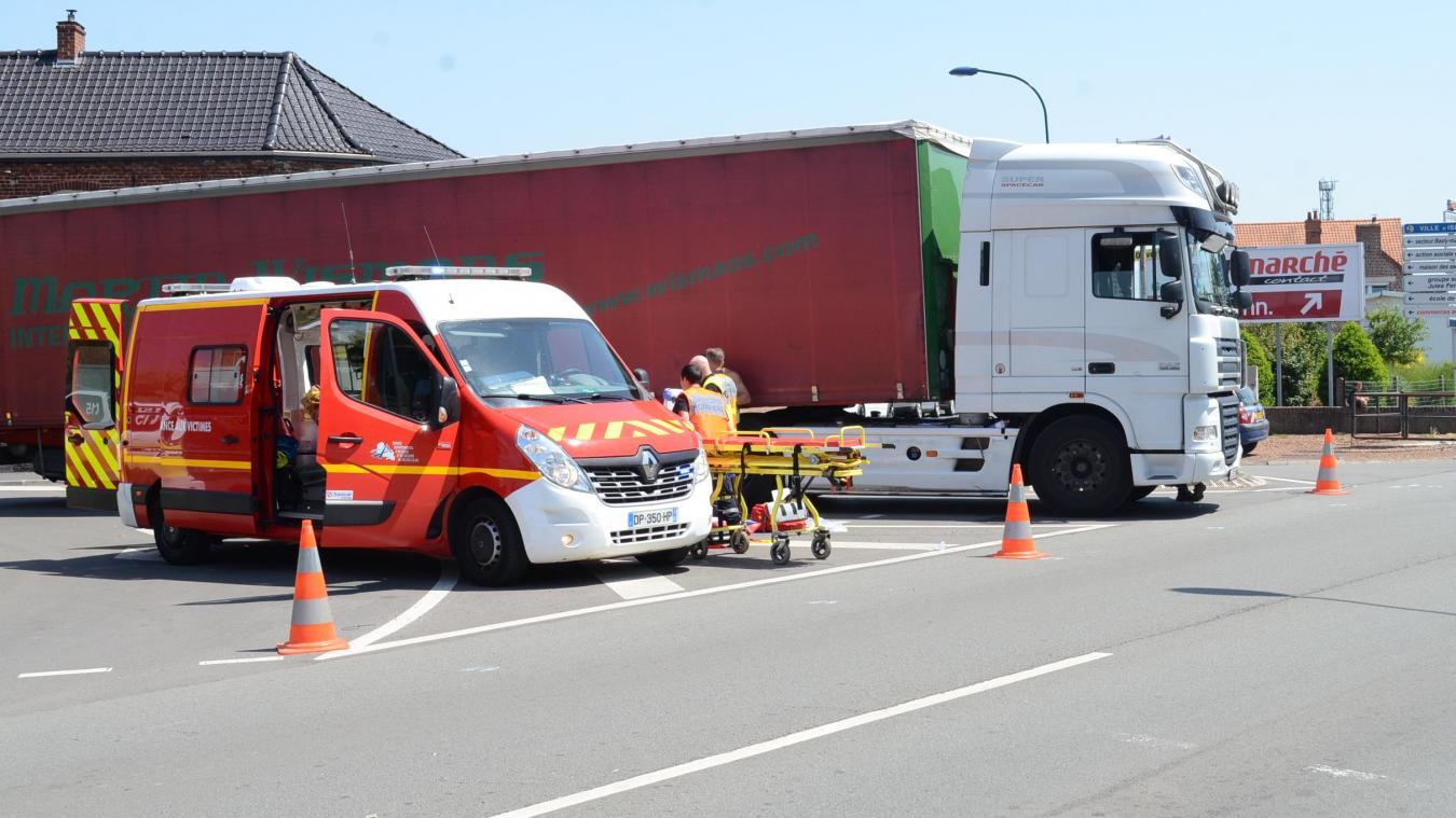 L'accident avait eu lieu à l'intersection de la rue Roger-Salengro et de la Départementale 186, en face du garage automobile Blanpain, à Isbergues.