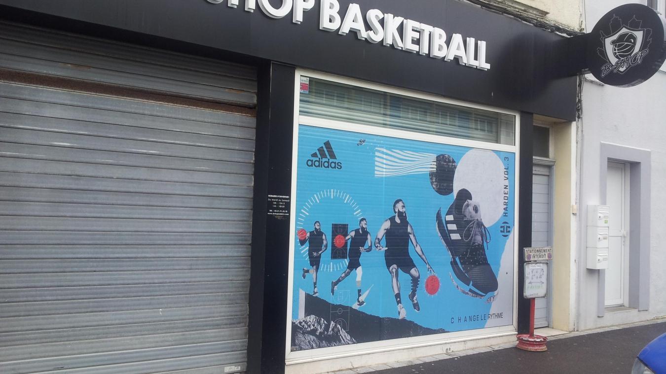 90255dafbda BShop recentre ses activités sur son grand magasin à Lille et sur sa  boutique en ligne