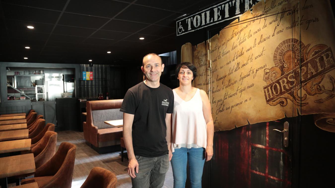 Thierry et Christelle Pauchet ont ouvert le Bar à quai new look dès jeudi dernier.