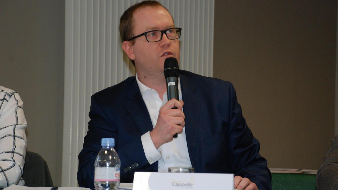 Municipales 2020 : l'élu d'opposition, Stéphane Gouvart, avance masqué