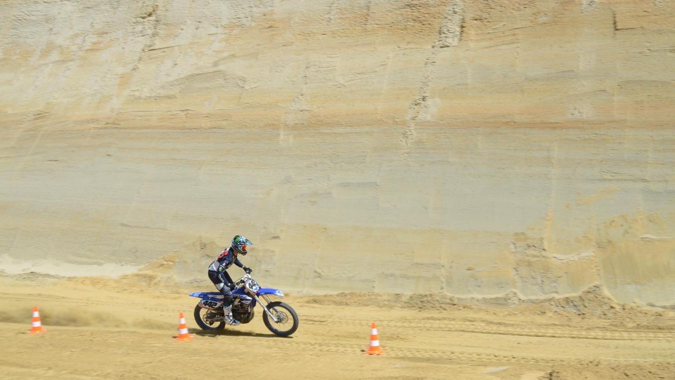 Non, Adrien Van Beveren n'était pas sur les pistes du Dakar mais dans une carrière de sable... à Rombly.