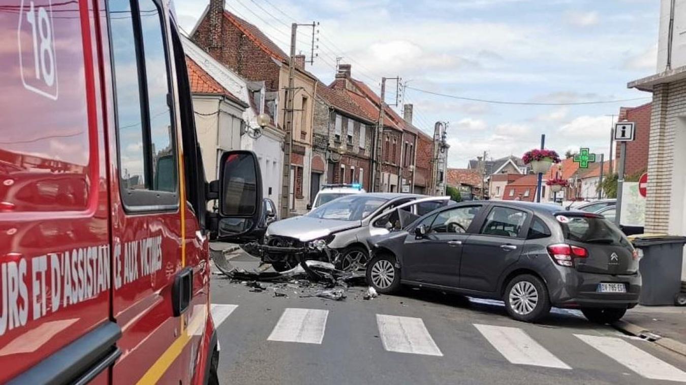 Auchel: le fuyard percute une voiture