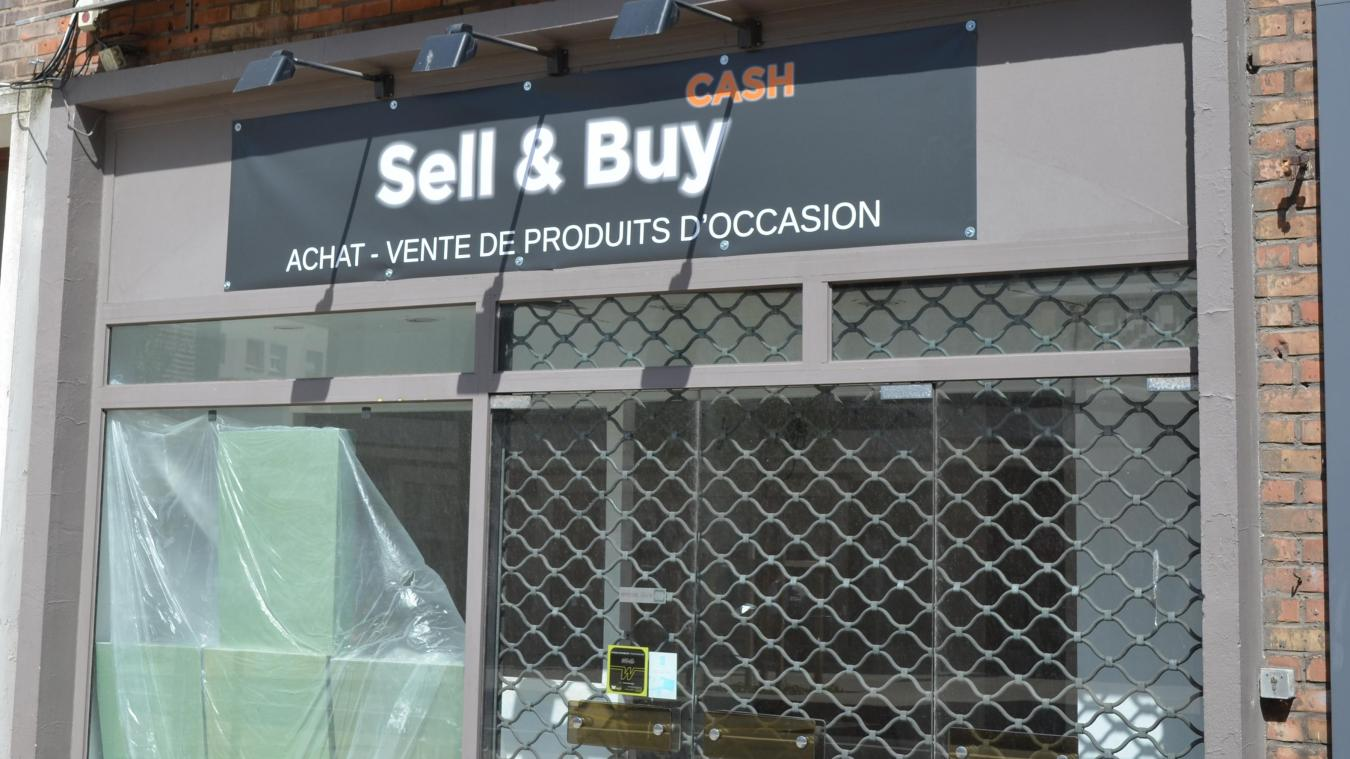 L'enseigne de Sell & Buy a été posée la semaine dernière.