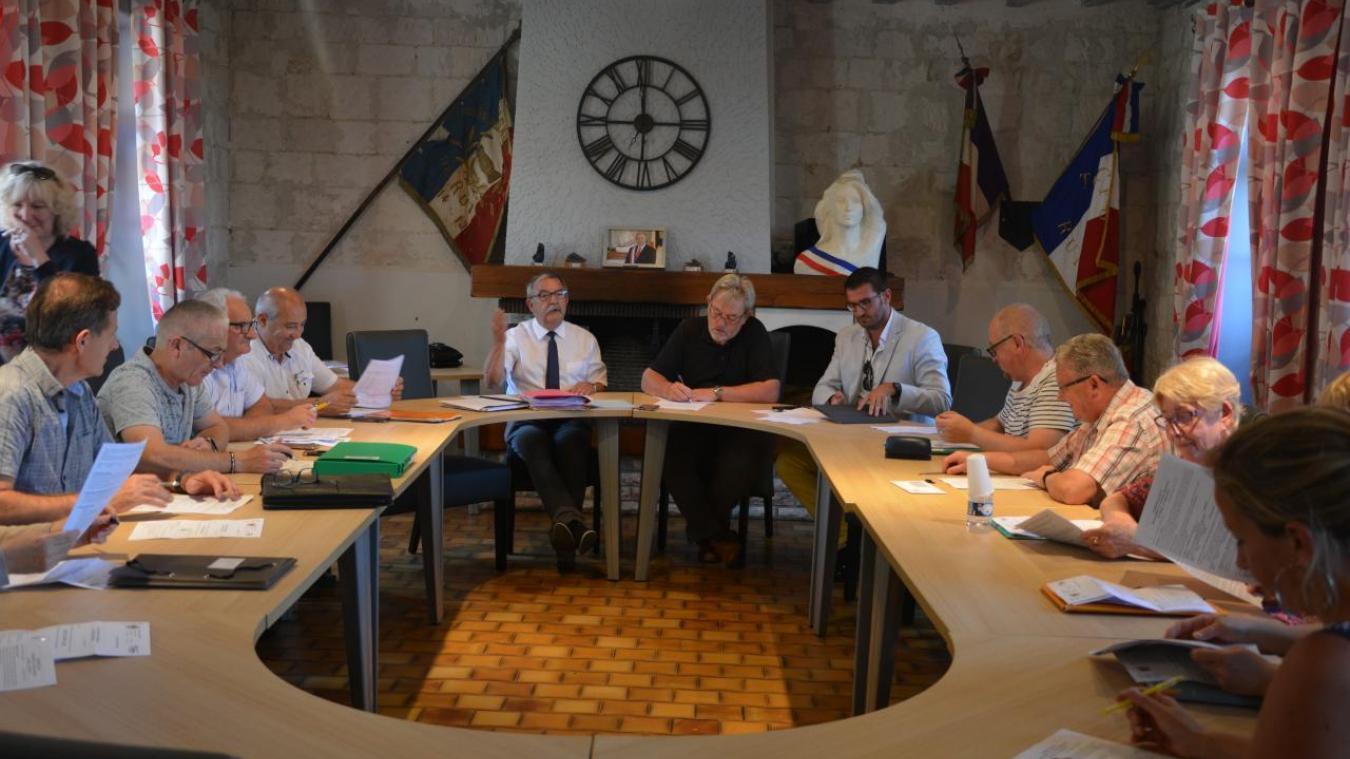 Le conseil municipal à voté le retour de la semaine à 4 jours.
