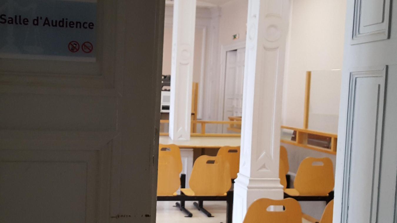 Les parents de la mineure, présents au tribunal de Saint-Omer, ont vécu un calvaire.