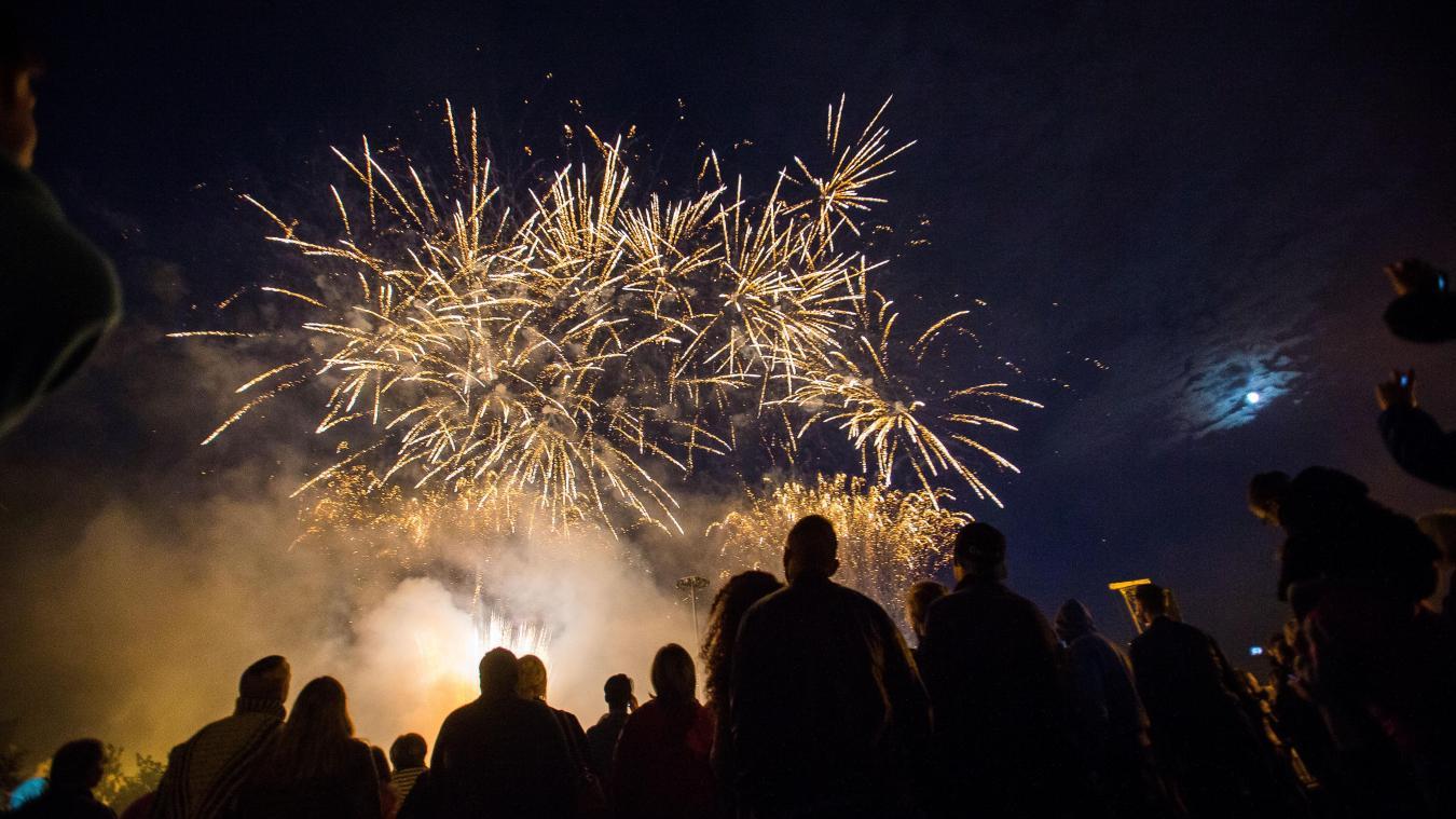 Cette année, le feu d'artifice d'Isbergues durera 17'27 m, un spectacle durant lequel 5 345 projectiles seront tirés.  © illustration