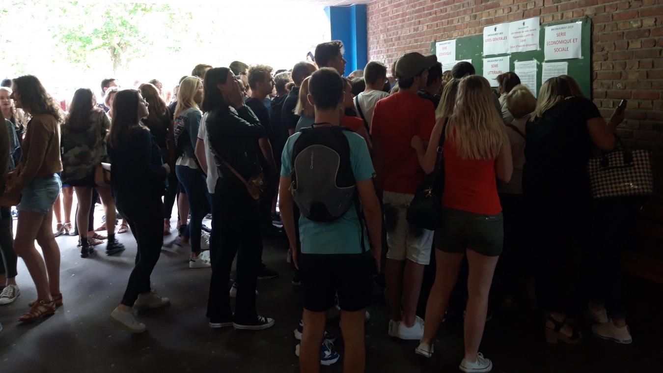 Euphorie ce matin à 10 heures, au lycée des Flandres.