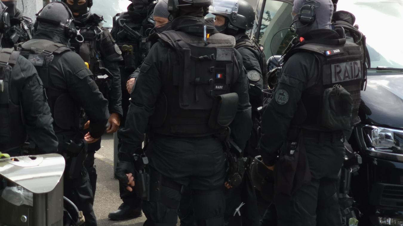 Béthune: de la prison ferme pour les trois hommes interpellés par le Raid le 1er juillet