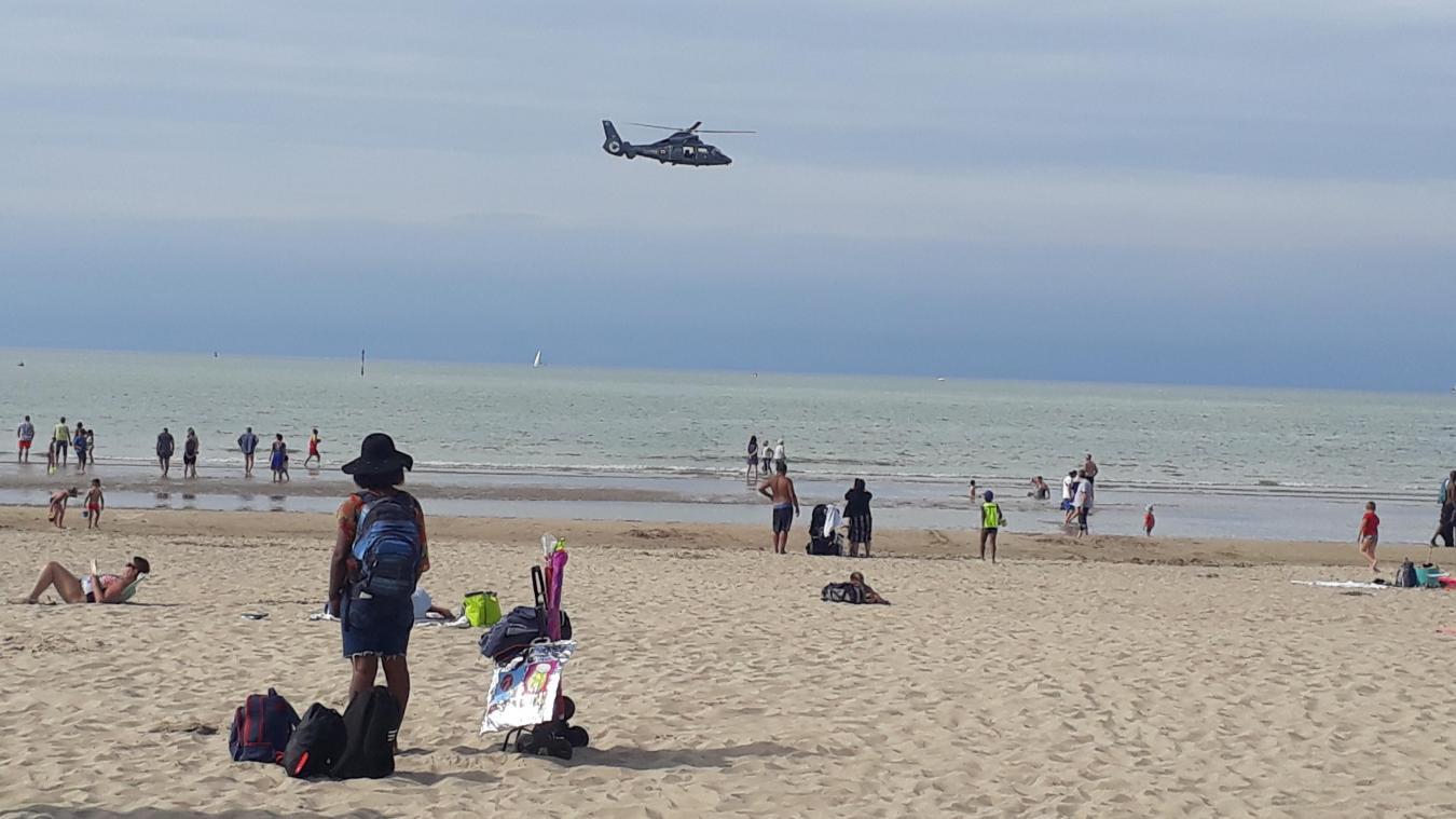 Un homme est porté disparu, depuis 15 h 07, sur la plage de Malo, à hauteur du kursaal. Un hélicoptère de secours belge avait commencé les recherches aériennes. L'hélicoptère du Cross Gris-Nez a pris le relais à 18 h.