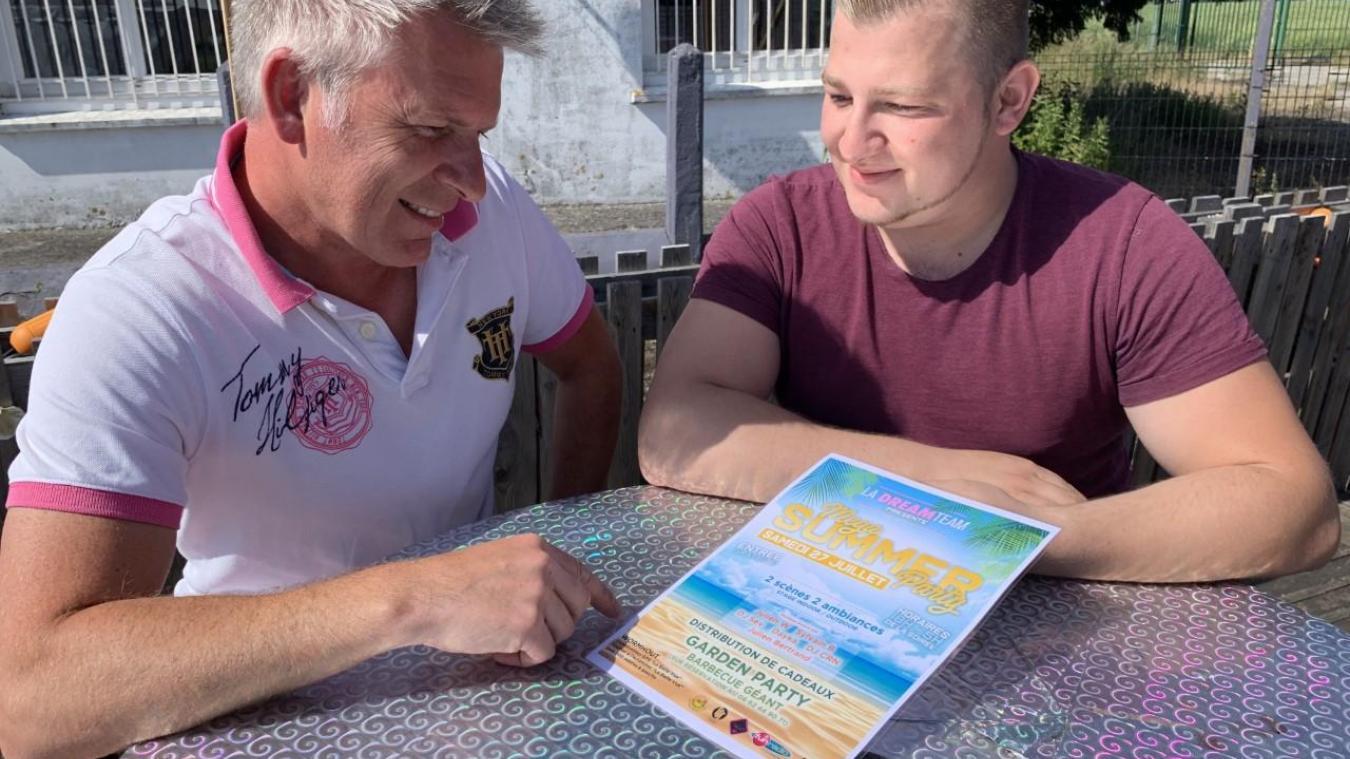 Juste après avoir pris connaissance de la cagnotte, Sylvain Blondé (à droite) a proposé une soirée aux cogérants.