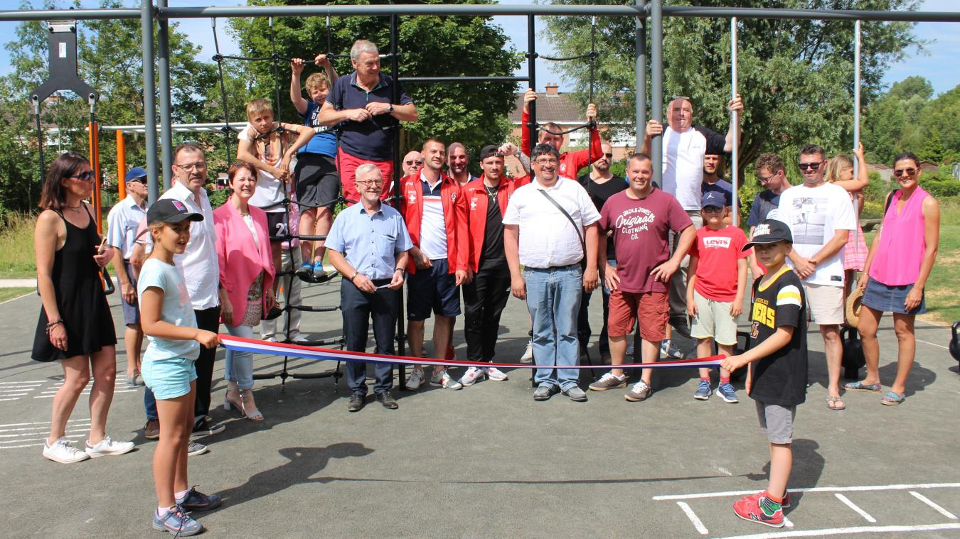 Les clubs sportifs de Wimille et les élus locaux ont testé les nouveaux équipements sportifs lors de leur inauguration.