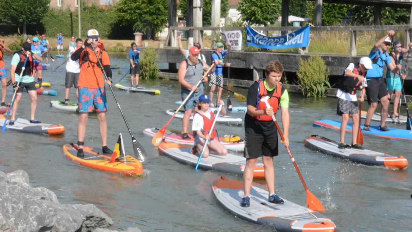 Une quarantaine de participants ont pris le départ du Raid des canaux samedi 6 juillet au matin à Aire-sur-la-Lys.