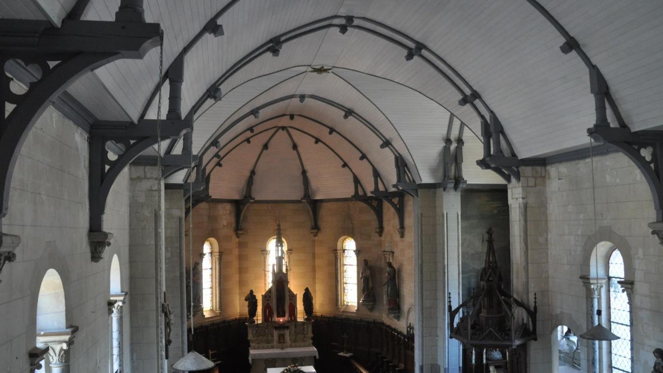 La voûte de l'église a été récemment refaite à neuf.