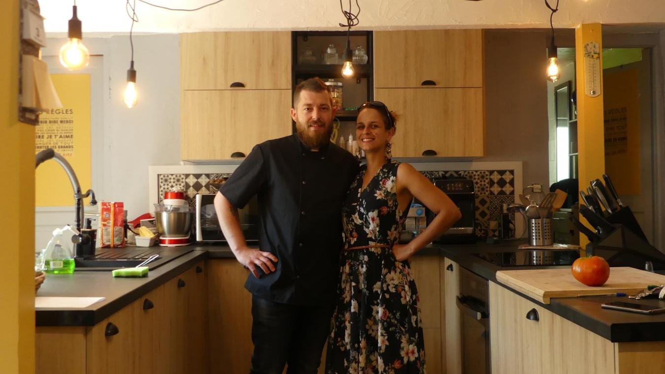 Avec son nouvel emploi du temps, le couple s'organise pour essayer de méler travail et vie commune.