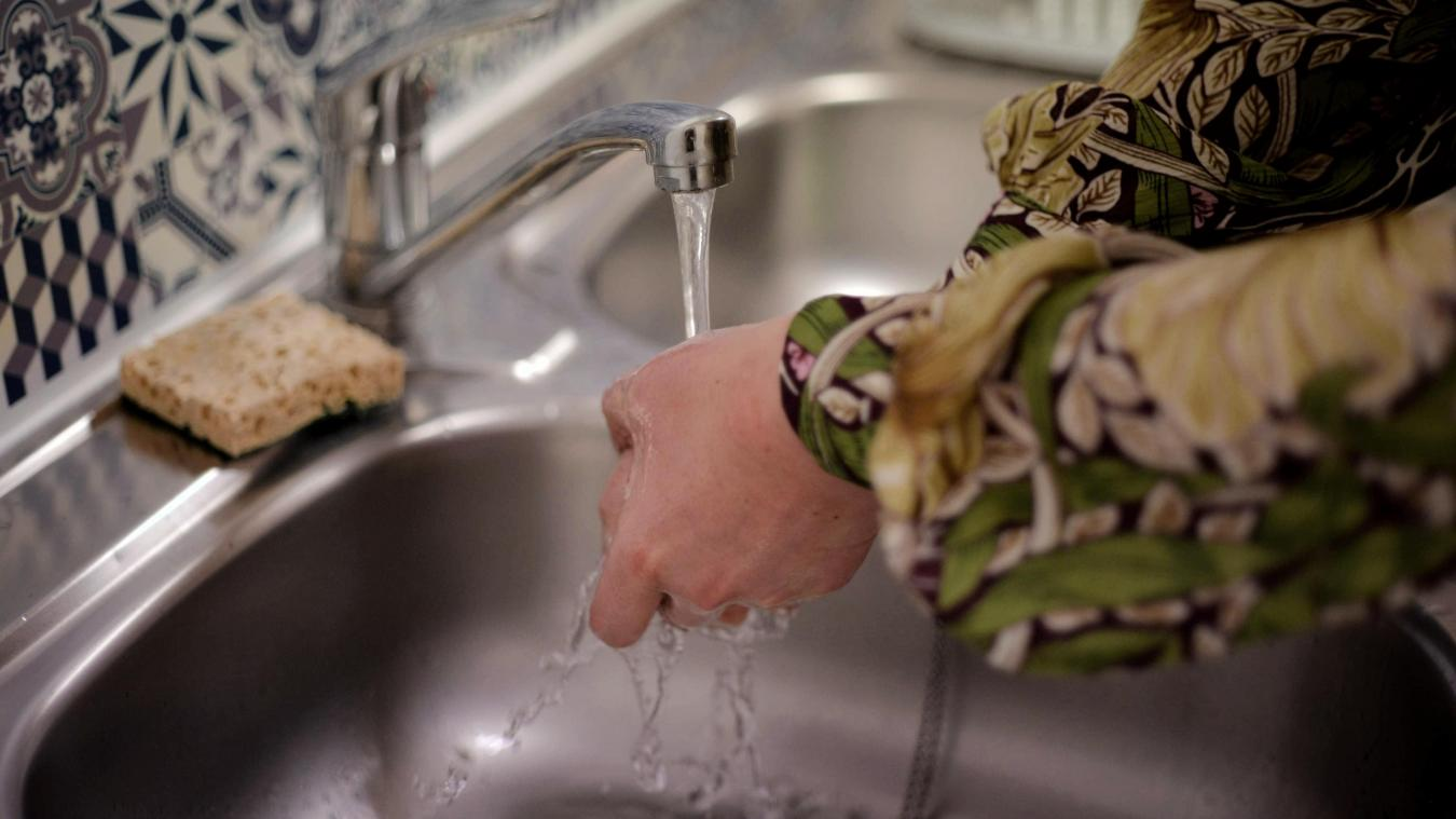 Il est demandé aux entreprises comme aux usagers de limiter leur consommation d'eau.