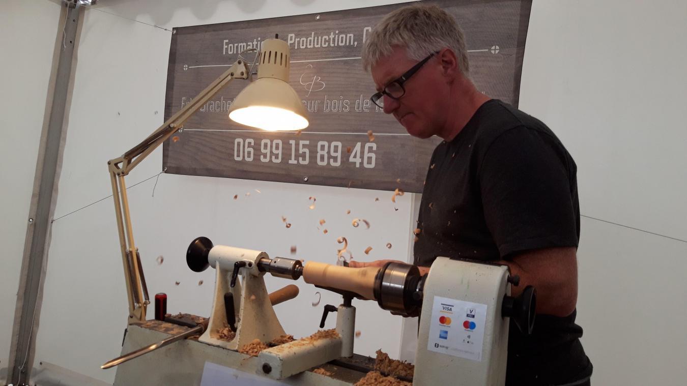 Capelle-lès-Boulogne: il s'est reconverti pour travailler le bois (photos et vidéo)