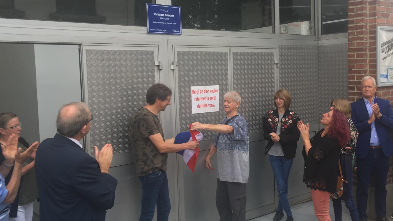 Depuis samedi 13 juillet, la salle Charlet porte le nom d'Eveline Deloux, ancienne élue engagée dans la mise en place d'une épicerie solidaire. Un projet devenu intercommunal.