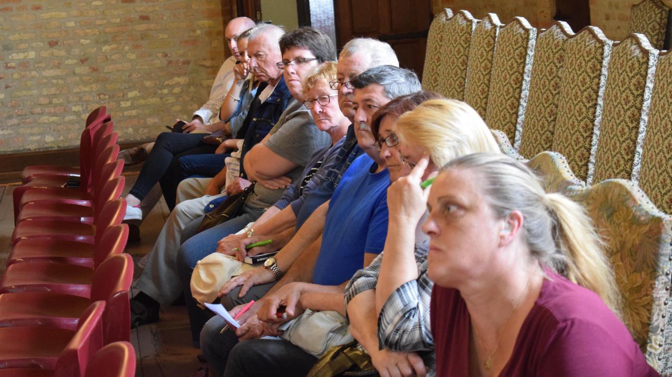 Un quart des locataires ont assisté à la réunion publique de jeudi soir. Ils ont écouté avec attention les propos du personnel de Partenord habitat.