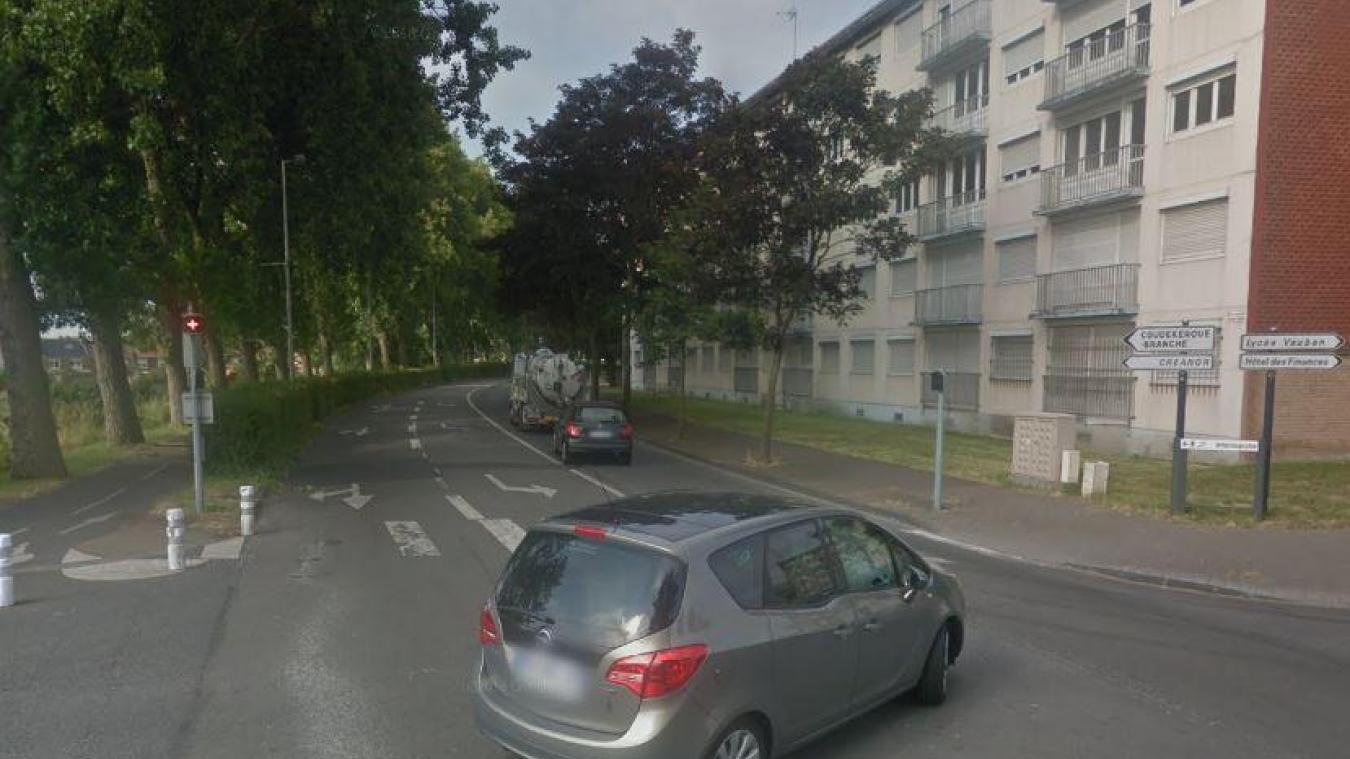 La circulation sera interdite jusqu'au 2 août, boulevard Victor-Hugo, entre la rue du Canal-de-Bergues et la rue Saint-Matthieu.