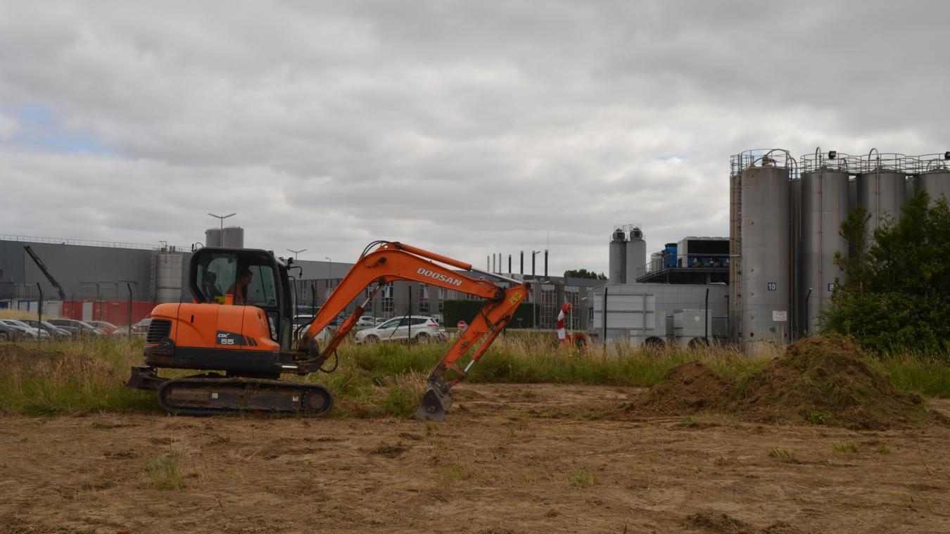 Des travaux sont en cours sur le site qui accueillera bientôt l'entreprise.