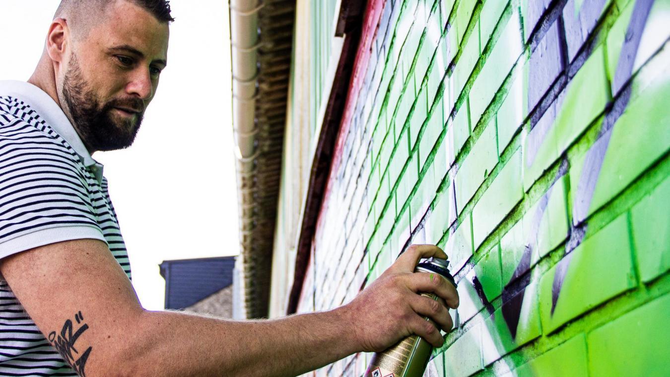 Cauchy-à-la-Tour : Kevin repeint les murs de la ville