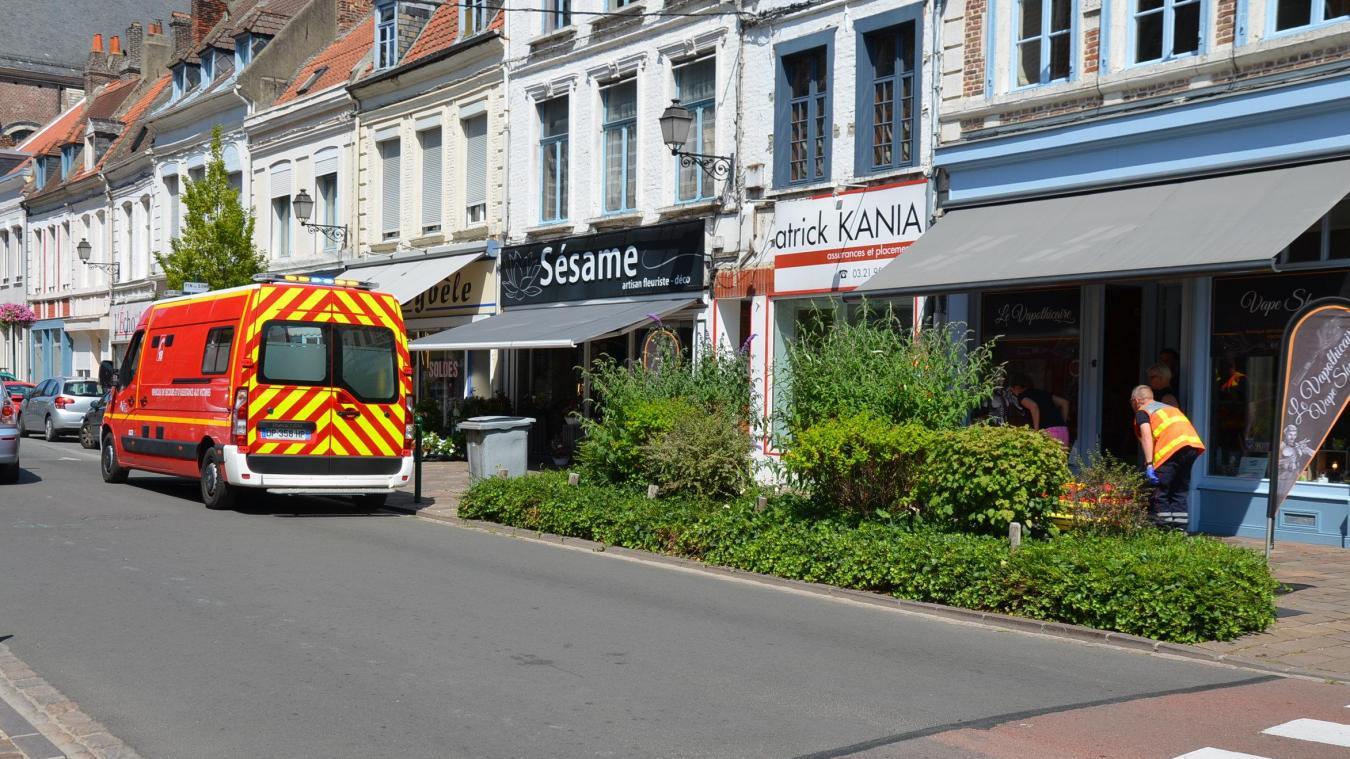 L'agression a eu lieu ce mardi après-midi dans la rue de Saint-Omer à Aire.