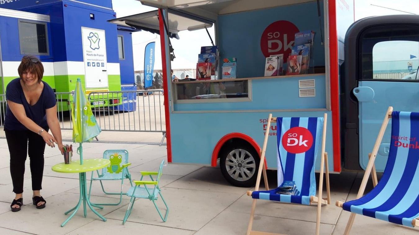Avec sa camionnette, l'office de tourisme se rend à Coudekerque-Branche et Zuydcoote, mais aussi lors de grands événements dans l'agglomération.
