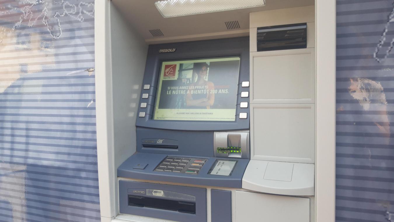 Boulogne-sur-Mer : un homme de 60 ans violenté et volé au distributeur automatique