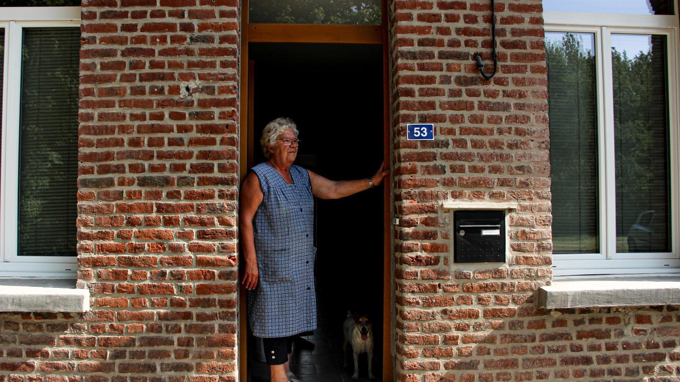 Colette doit réintégrer le 53 Grand-Rue. Problème, il n'y a pas d'eau chaude dans le logement.