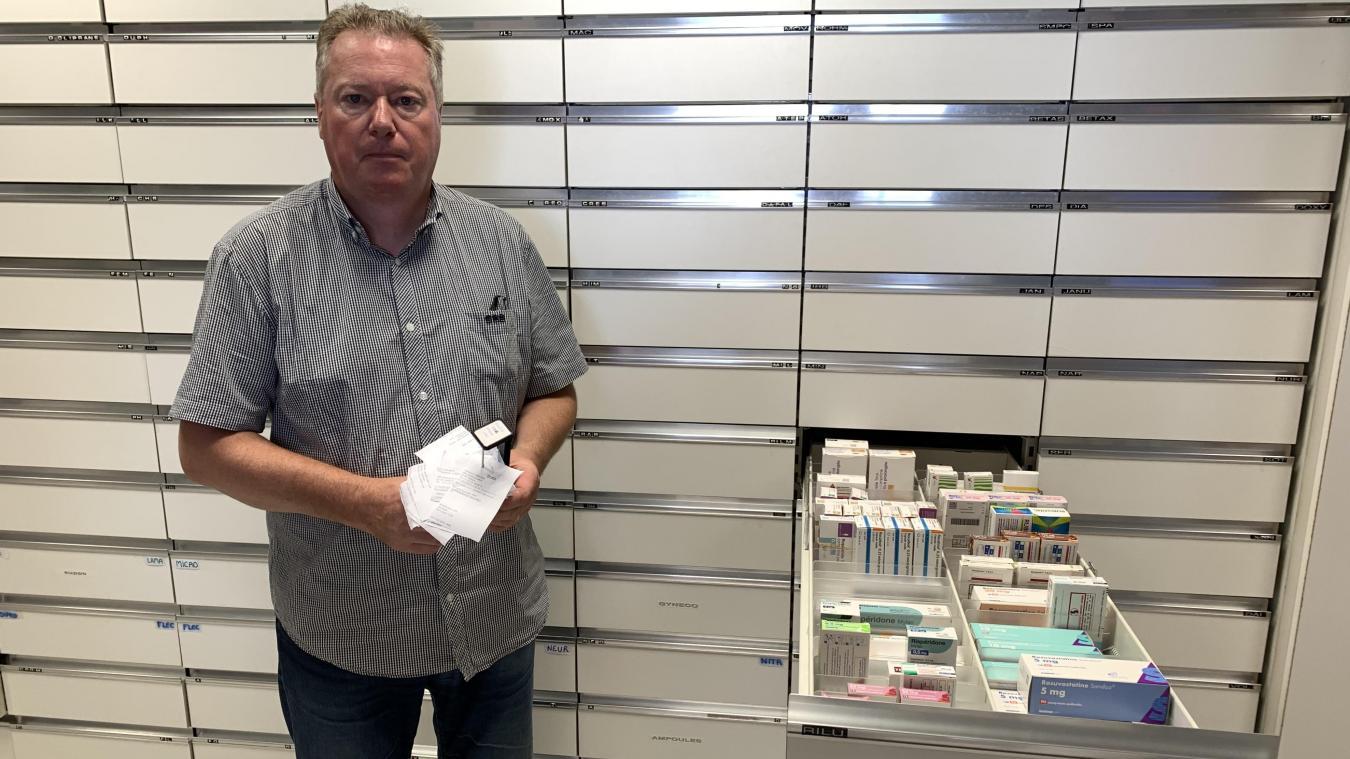 Quand il va chercher un médicament, Jean-Marc Lebecq a toujours en mains la liste des pénuries. Une liste de plus en plus longue.