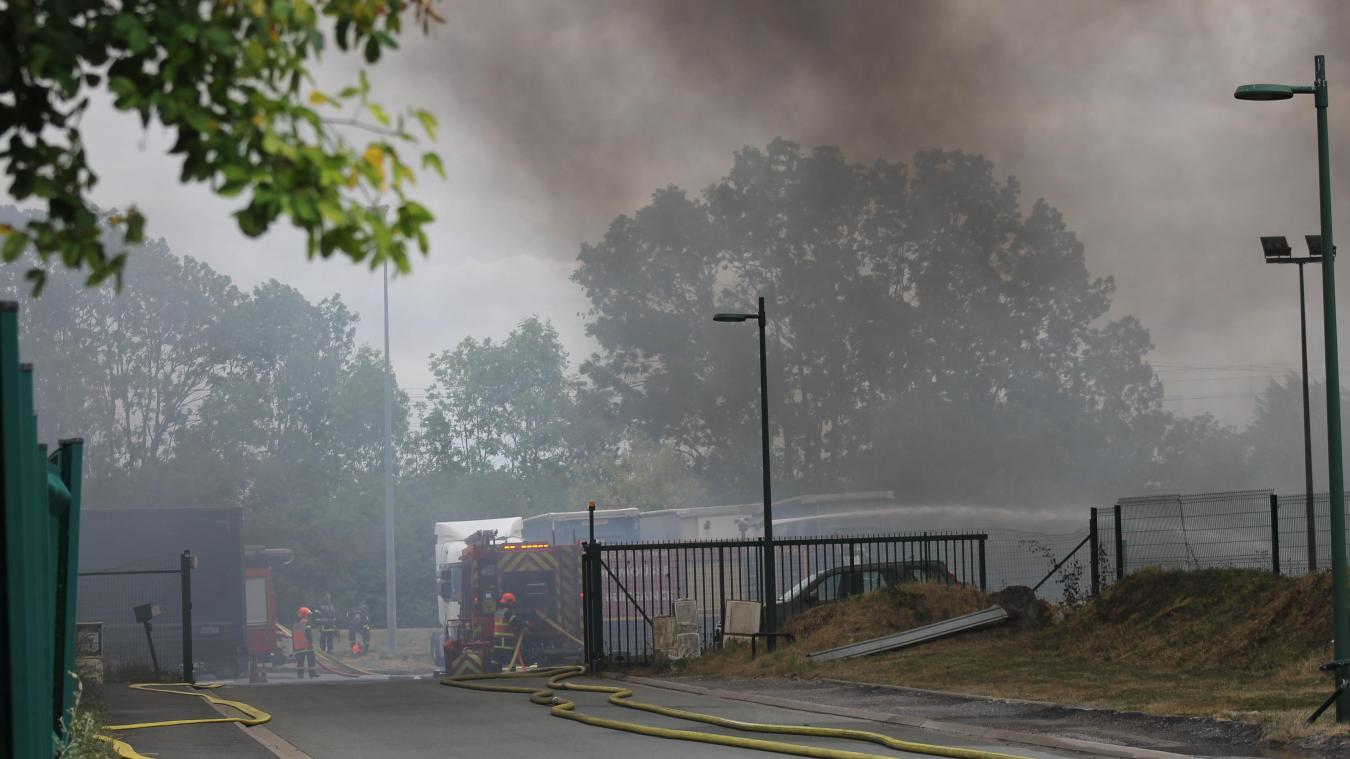 Brebières : les sapeurs-pompiers toujours présents sur le site des transports Jacot
