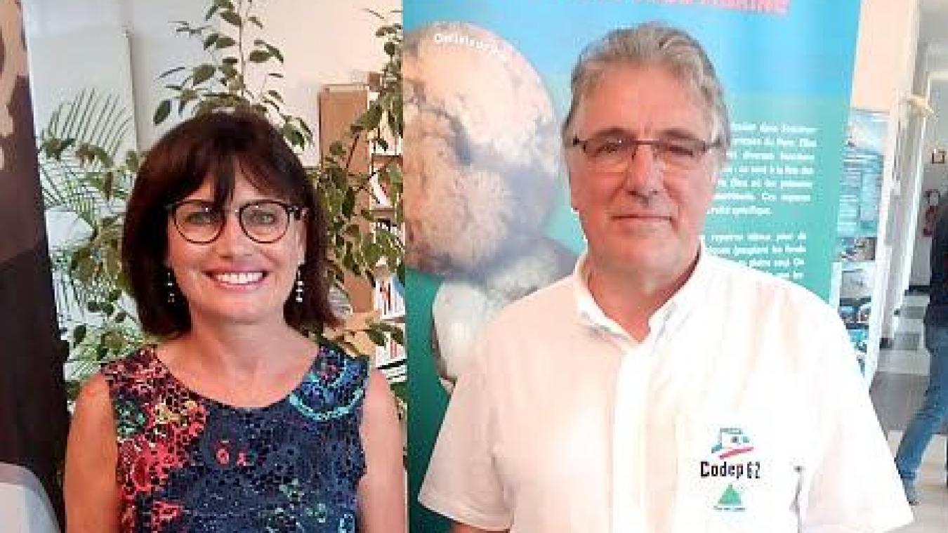 Sylvie Boyavalle, présidente du club de plongée d'Avion, en compagnie de Jean-Pierre Bart.