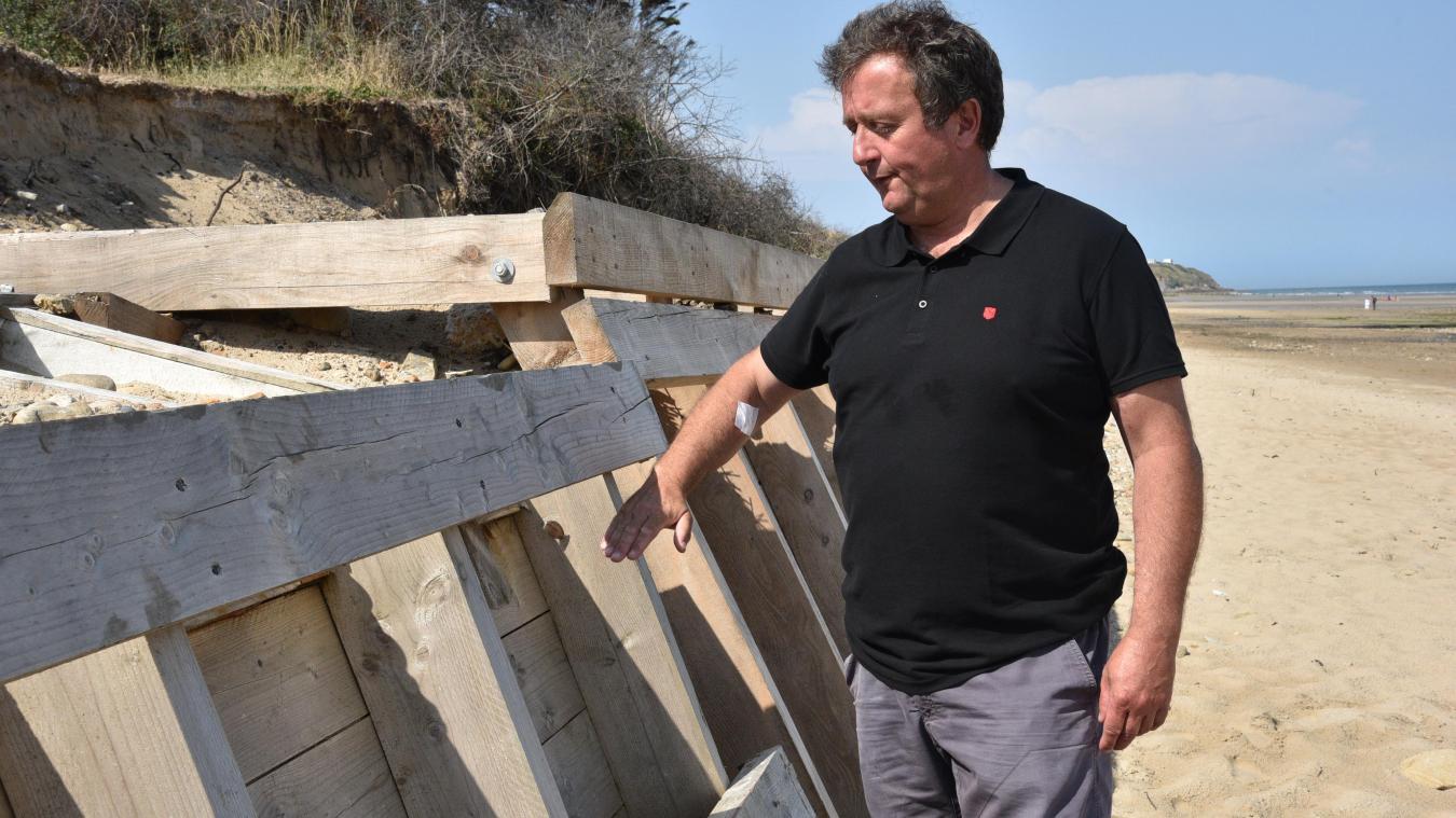 Thibaut Segard, maire de Tardinghen, a imaginé ces modules de défense pour empêcher l'érosion.