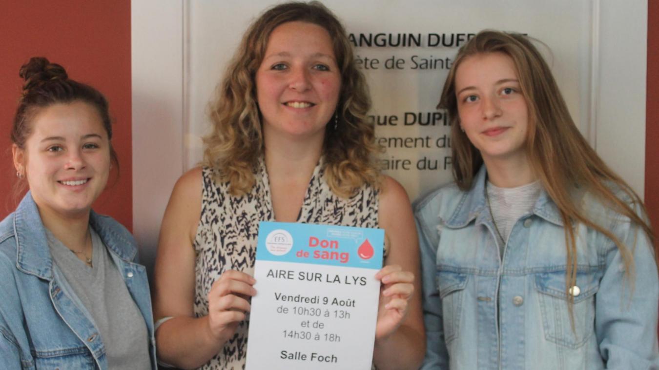 Marion, donneuse, Céline Minne, présidente de l'association, et Mélanie, bénévole du don du sang.