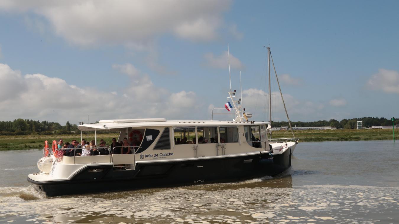 Le bateau-promenade Baie de Canche propose trois à quatre balades quotidiennes au départ du port d'Étaples.