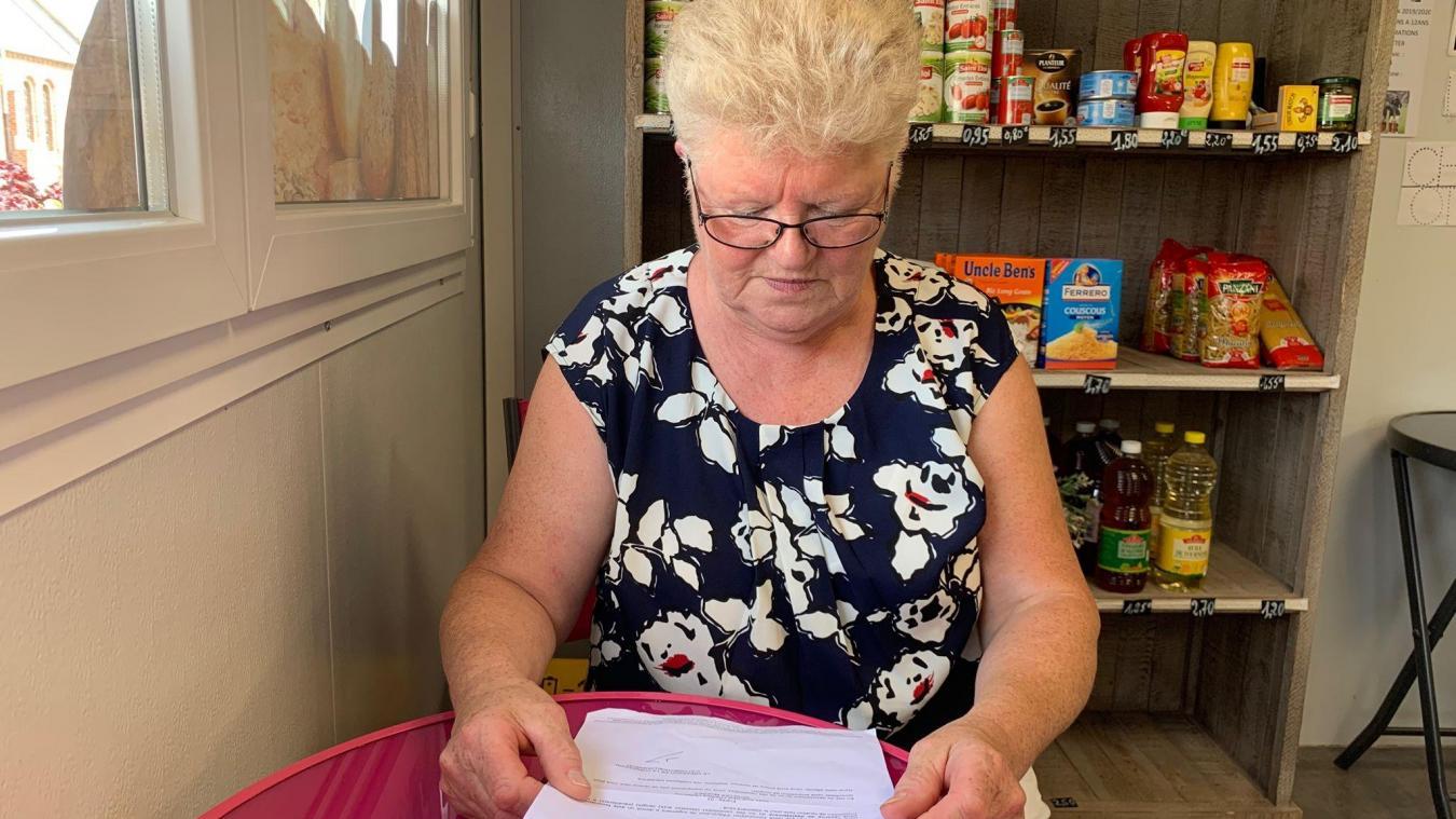 La Warhemoise, bien qu'en retraite, travaille toujours à la boulangerie.