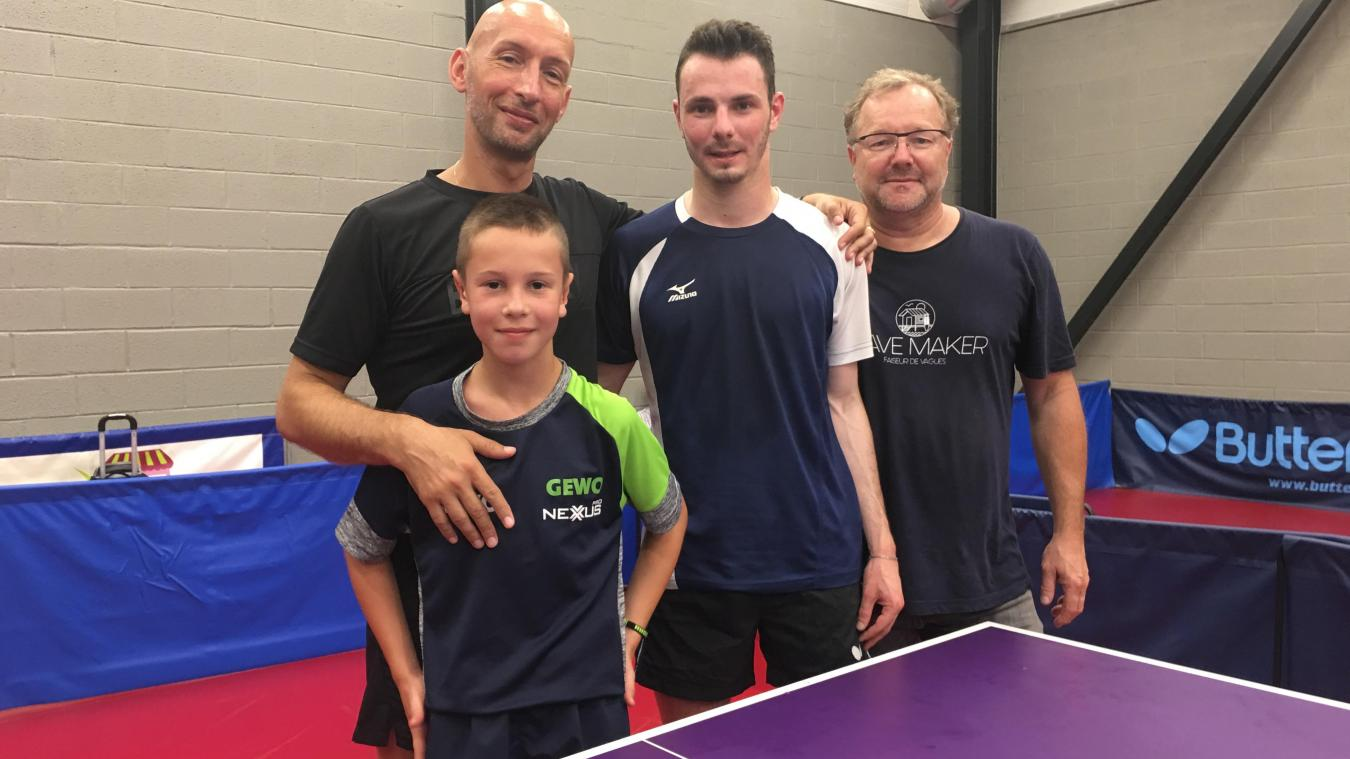 La passion transmise de père en fils... chez les Vitel comme chez les Henriot, le tennis de table fait partie du quotidien.